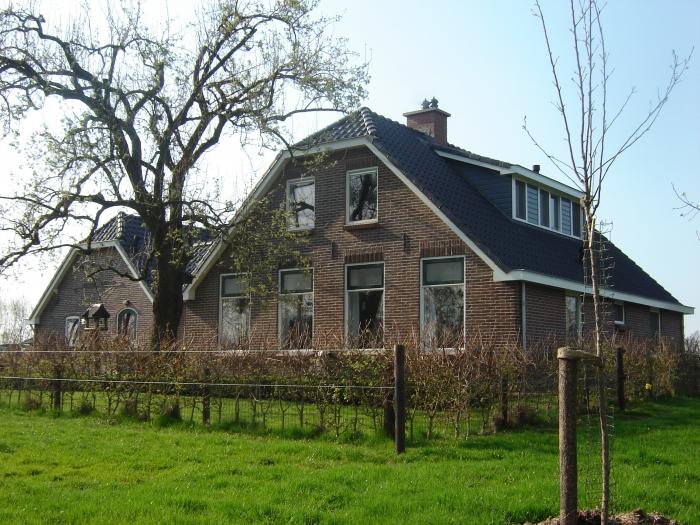 Verbouwing van gedateerde boerderij tot woning